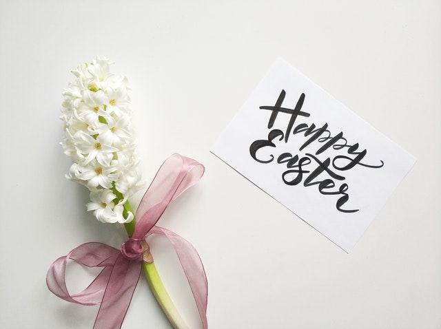 Happy Easter Sunday with Flowers Images.